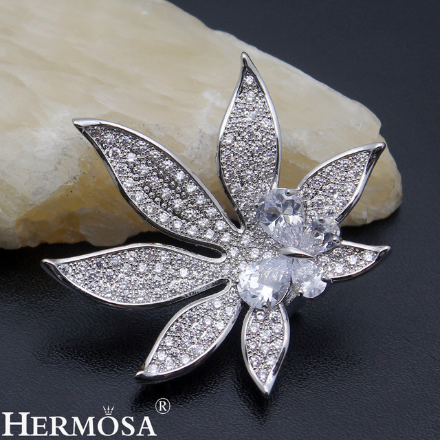 Butterfly On Flower Design Shiny Jared Jewelry Women Brooches Pins
