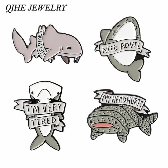 QIHE QH-GIOIELLI Animale Delfino Squalo Balena Dello Smalto pins Distintivi e Simboli Spille Salvare il mare animali Oceano animali gioielli