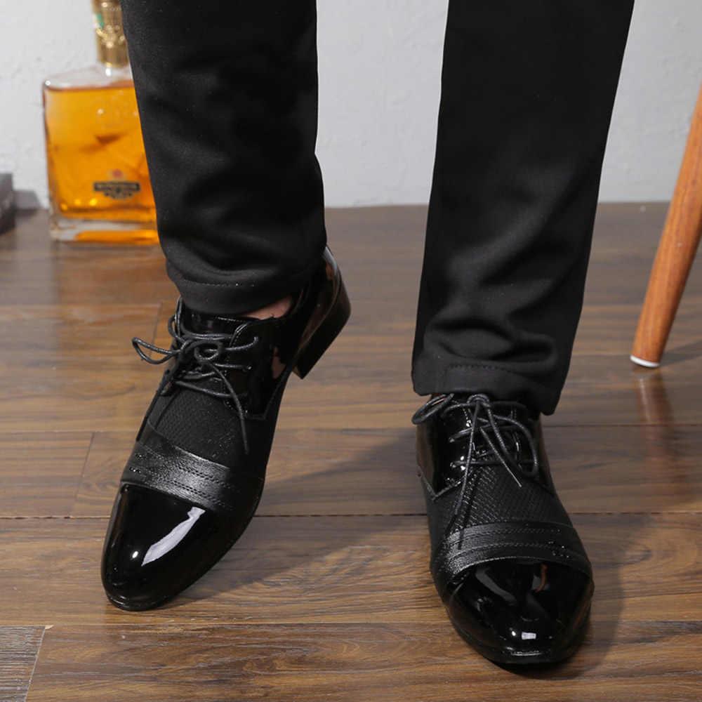 Sapatos masculinos de couro de oxford sapatos de vestido de negócios sapatos planos ocos outs respirável sapatos de casamento de banquete masculino