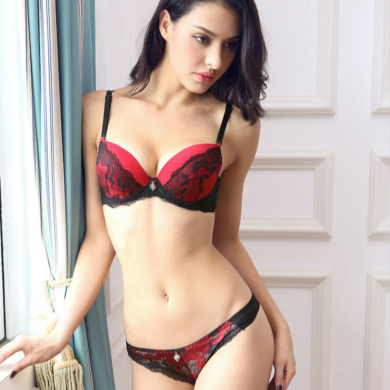 French Classic Style Floral Embroidery Push Up Bra Set Lace Straps Thong Underwear Set Deep V Sexy Bra Plus Size Bralette