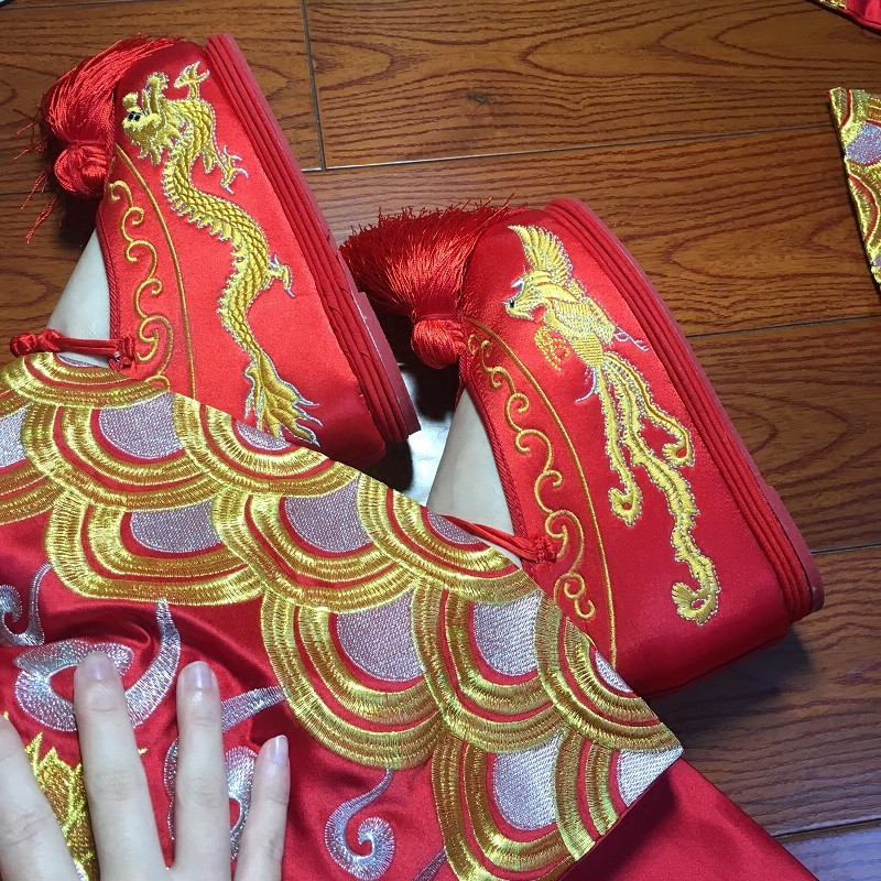 embroidered chinese shoes wedding cloth shoes for women red vintage wedding shoes classic princess cosplay ancient