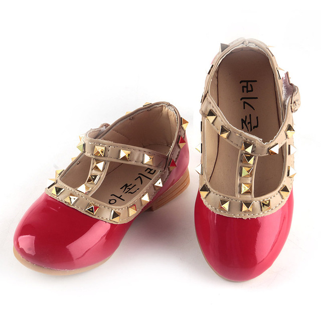 2cd0425f3e367 New Girls Sandals Children Casual Leather Princess Shoes Kids Dancing Flats  Rivets Shoes As Christmas Birthday