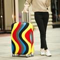 Colorful Stripe Ondas de Viagem Cobertura de Bagagem Mala Elástica Capa Protector L Tamanho Estiramento Fit 26-28 polegada