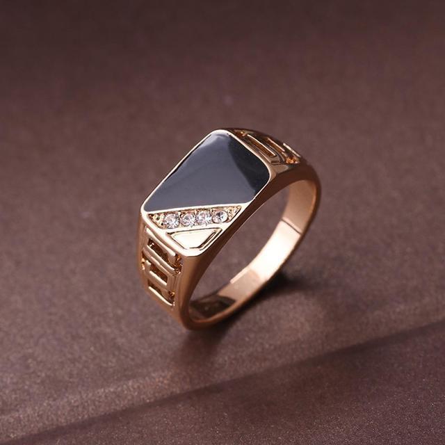 טבעת איכותית לגבר עם אבני קריסטל 3