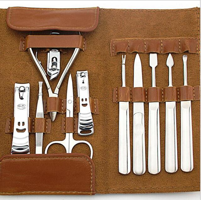 11 PC / Kit Leather Bag Professional Nail Kit Manicure Pedicure Set Tools with Case Nails Nipper File Earpick Cuticle Pusher