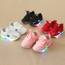 New Children Luminous Shoes Boys Girls Sport Shoes Baby Flashing LED Lights Fashion Sneakers Toddler's Sports shoes SSH19054(China)