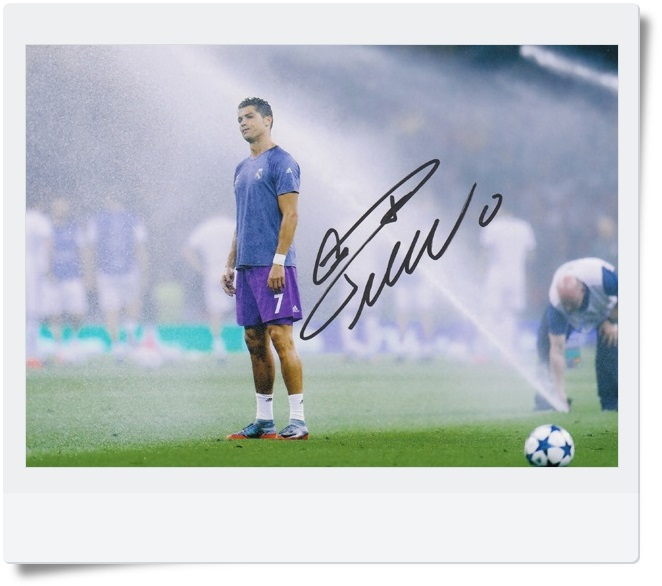 signed Cristiano Ronaldo autographed  original photo  7 inches freeshipping 4 versions 062017 A signed tfboys jackson autographed photo 6 inches freeshipping 6 versions 082017 b