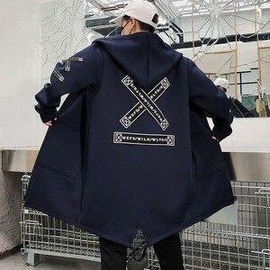 Image 3 - Lungo Degli Uomini del Rivestimento Stampe Di Moda 2019 primavera Harajuku Giacca A Vento Cappotto Maschile Casual Outwear Hip Hop Streetwear Cappotti WG198