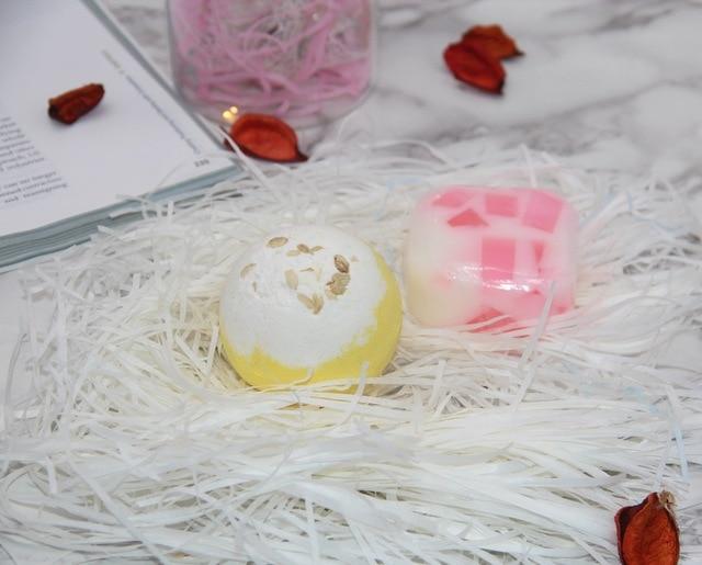 120g bath bombs, 100g handmade soap, aromatic scents, moisturizing & nourishing ingredients, handmade, gift sets.