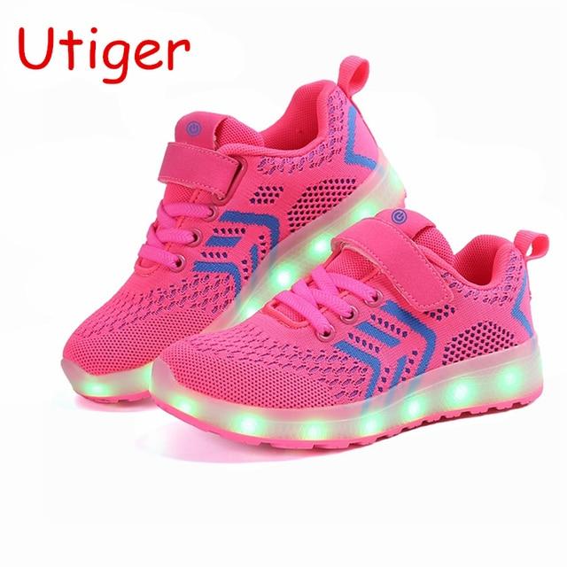 d86971795462f Enfants Rougeoyant Chaussures pour Garçon Filles Lumière up Sneakers  Enfants USB De Charge Lumineux Lumineux Chaussures