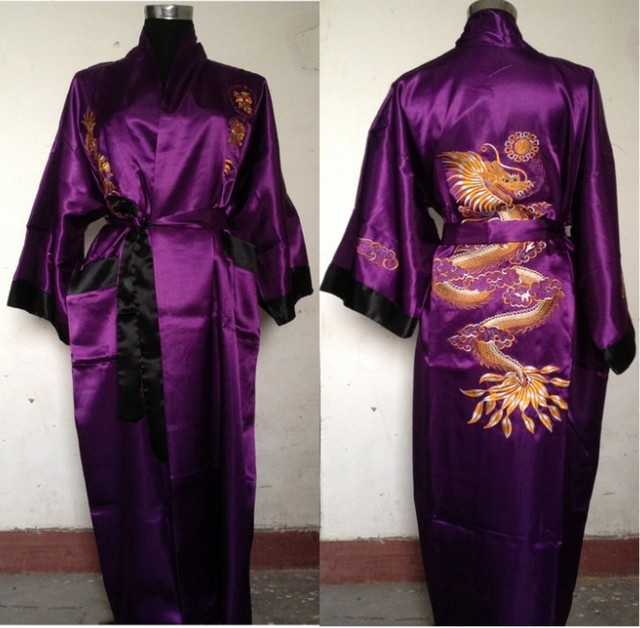 Бесплатная доставка Фиолетовый черный Реверсивный Двуликий Китайских людей Шелковый Атлас Одеяние Вышивки Дракон Кимоно Ванна Платье РАЗМЕР M-3XL SZ-4