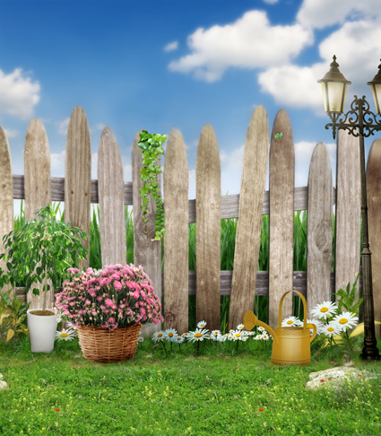 Popular outdoor vinyl fence buy cheap outdoor vinyl fence for Wooden studios for gardens