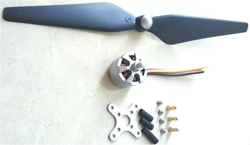 Free shipping 1pcs A2212 900 KV Brushless motor+ New 9450 Propeller
