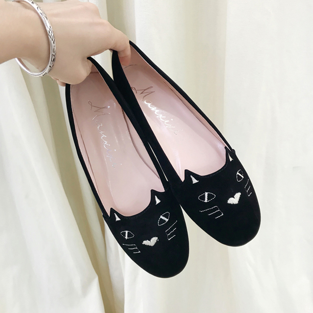 bd026584ed4 Cute Cat Black Brand Female Flat Shoes Women Fashion Suede Plus Size 41  Casual lady Flats Soft Slip On Embroider Lazy Shoes