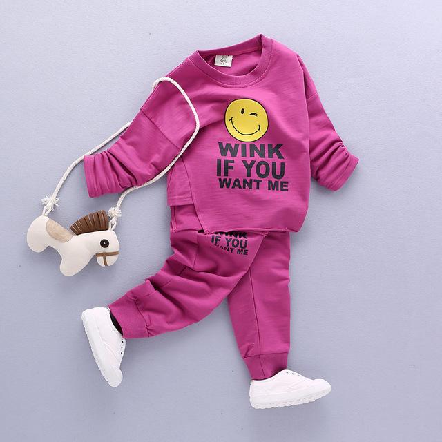 Nuevos muchachos niños ocasionales ropa cara Sonriente de la madre y niños ropa del juego del deporte 2017 de Primavera niños ropa set boys niños pullover