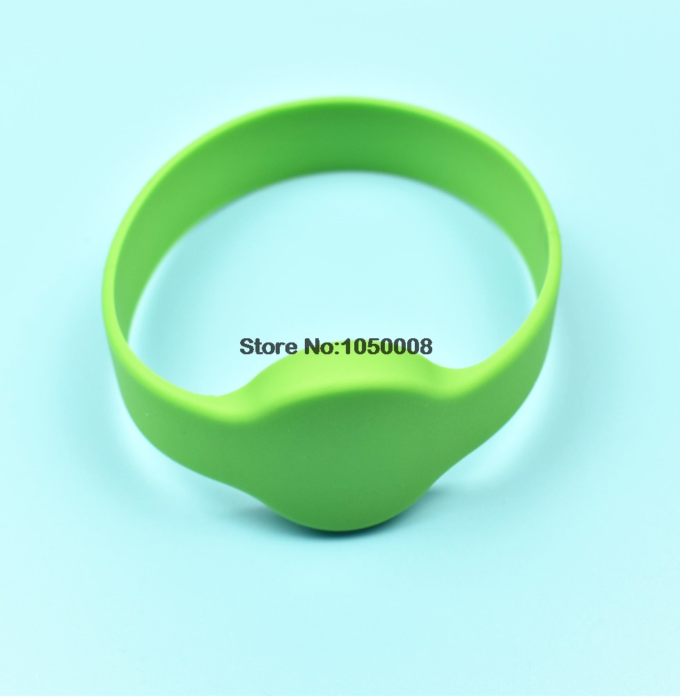 1pc 125Khz T5577 EM4305 Rewritable RFID Bracelet Silicone Wristband Watch Copy Clone Blank Card In Access 1pc 125Khz T5577/EM4305 Rewritable RFID Bracelet Silicone Wristband Watch Copy Clone Blank Card In Access Control Card
