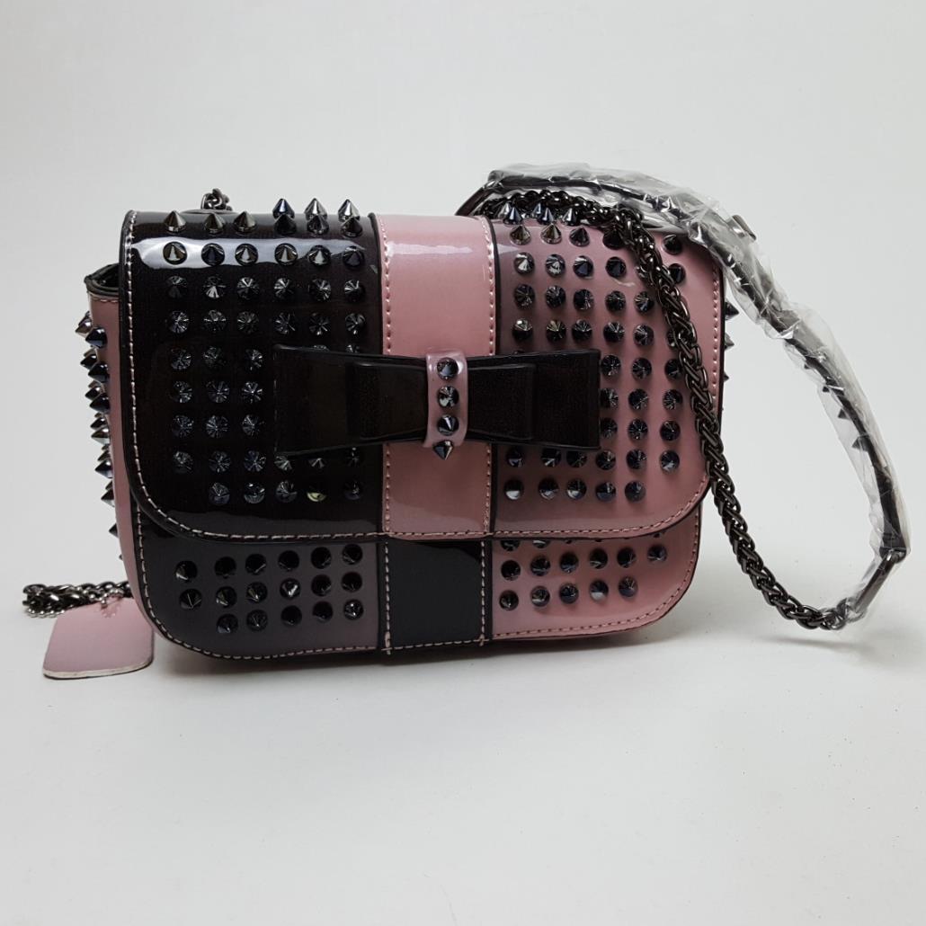 bolsa do homensageiro com uma Estilo : Fashion