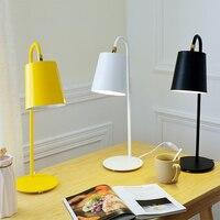 настольная лампа Современный минималистский защиты глаз настольная лампа Спальня тумбочка лампа из металла чтения светодиодный свет бюро