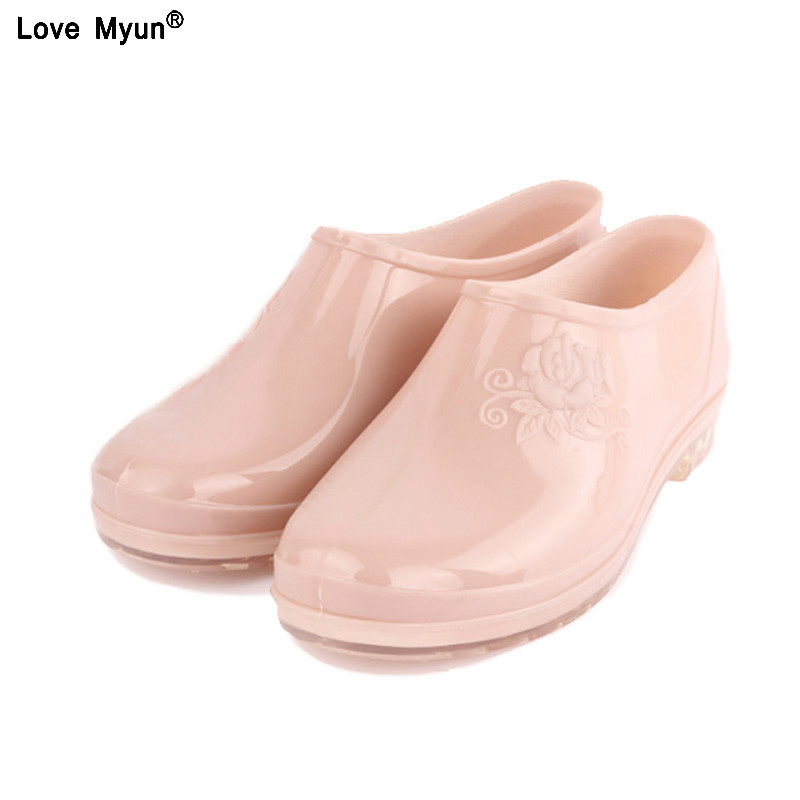 Classic Ankle Rain Boots Warm British Platform Slip On PU Waterproof Colorful Ankle Flower Boots Woman Shoes 566Classic Ankle Rain Boots Warm British Platform Slip On PU Waterproof Colorful Ankle Flower Boots Woman Shoes 566