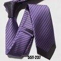 Roxo com listras diagonais pretas exclusivas gravatas finas gravata Novidade Contraste Nó gravata