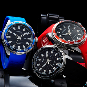 Image 3 - SINOBI 316 Stainless Steel Mens Sports Watches Luxury Brand Silicone Waterproof Men Military Watch Quartz Relogio Masculino