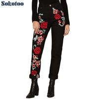 Sokotoo damski czerwony kwiat haftowane czarne dżinsy 3D kolorowe rose hafty luźne proste spodnie jeansowe