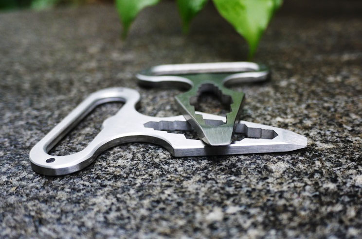 1PCS High Quality Stainless Steel Multi Tool Self Defense Spikes Outdoor Camping Multi Functional Spanner Wrench Camping Tool