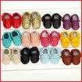 La venta más caliente del bebé del cuero genuino mocasines zapatos de bebé suave suela de moda del bebé calzado zapatos
