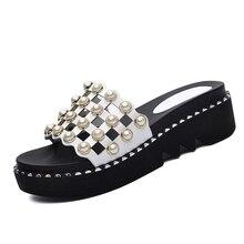 Hot Sale Design Wedges Heel Slippers Women Shoes Sexy Summer Open Toe Med Heel Slippers Beautiful Rhinestone Slides YG-B0318