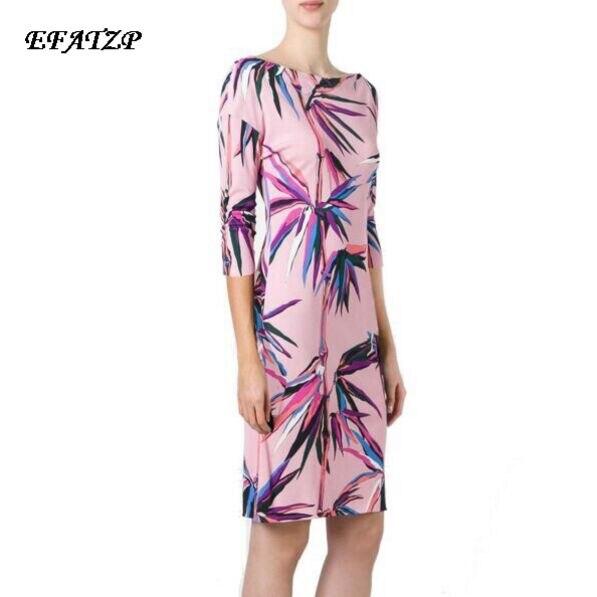 Nowy mody 2017 lato projektant luksusowe kobiety jest Slach szyi geometryczne druku 3/4 z długim rękawem Plus rozmiar XXL Stretch Jersey sukienka jedwabna w Suknie od Odzież damska na  Grupa 1