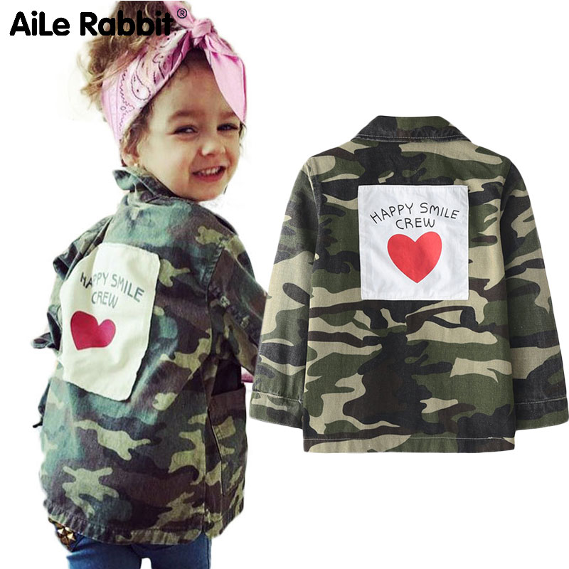 AiLe Rabbit 2018 Girls Autumn Jacket INS Hot Camouflage Jacket Long sleeve back love letter stickers fashion Brother Sister coat недорго, оригинальная цена