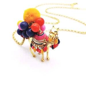 Image 2 - CSxjd di vendita Caldo palla di capelli di colore desert camel signore di modo della catena del maglione della collana del commercio allingrosso