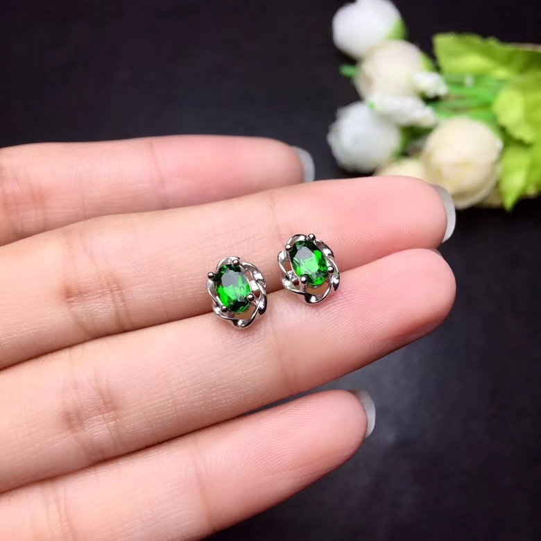 Fashion Elegant round surround natural green diopside stud earrings Natural gemstone earrings S925 silver women party