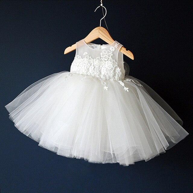 1f0dfdc3e Bebê Vestido de Criança Vestido de Princesa Bordado Flor Branca Vestidos de Batismo  Infantil Batizado Vestidos