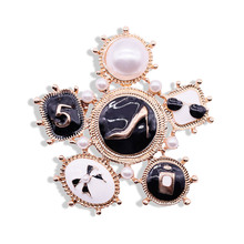 Fashion Number 5 Luxury Brand Designer Lapel Pins Brooches Broche Jewelry For Women Clothing Sweater Dress