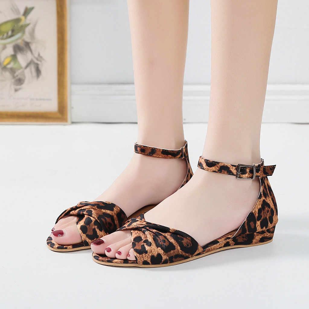 เสือดาวผู้หญิงรองเท้าแตะฤดูร้อนใหม่มาถึงหัวเข็มขัดรองเท้าแตะรองเท้าผู้หญิงโรมรองเท้าแตะคุณภาพสูง Chaussures Femme