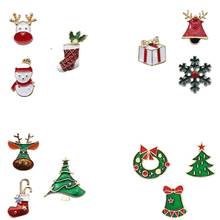 Fashion Lady Christmas Pin Gloves Snowman Santa Claus Boots Brooch Needle Wool Wrap Jewelry Gift