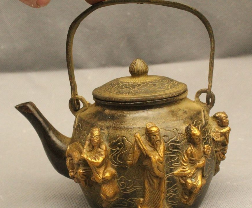"6""China Chinese Bronze Gild Lucky Eight Immortals Kettle Tea Pot Flagon