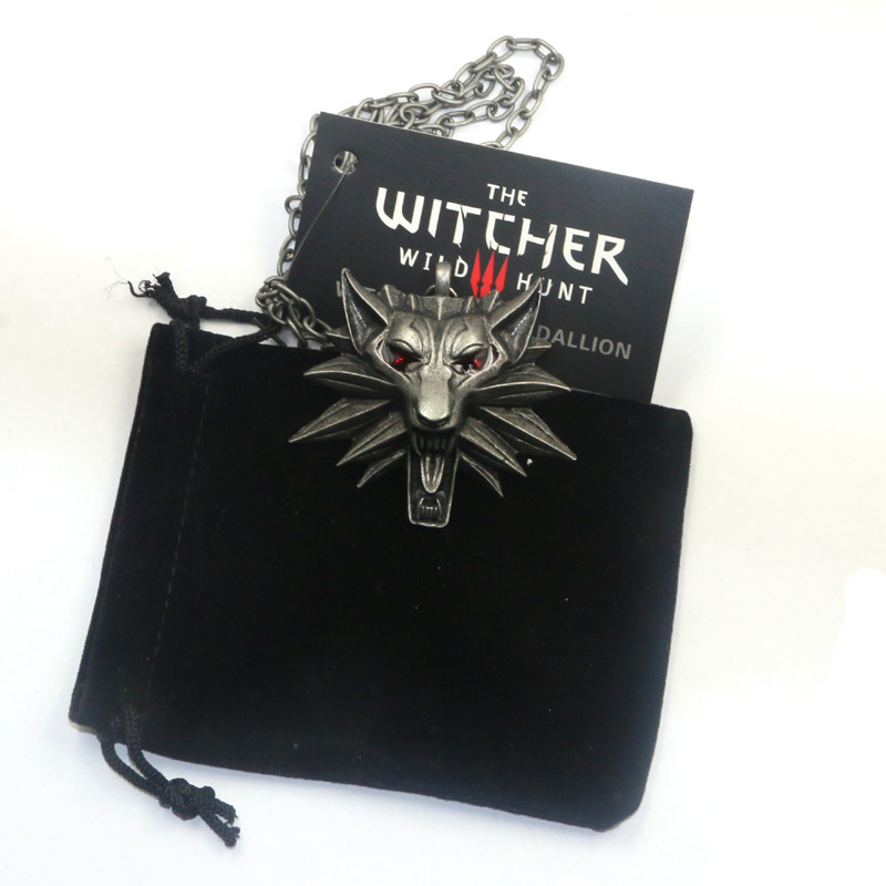 10pcs wizard The Witcher 3 Game Medallion Wolf head Pendants Necklaces with Tag Wild Hunt 1 Figure 2 colors NK0172