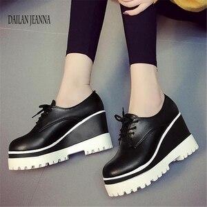 Image 1 - ربيع 2018 جديد حذاء واحد الأحذية النسائية الكعك أحذية نسائية عالية داخل باطن سميكة