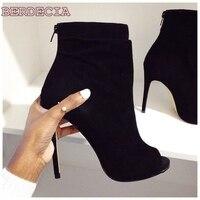 Zwart suède naaldhak korte laarzen peep toe dunne hak sandaal laarzen hoge kwaliteit schoenen hot selling enkellaarsjes foto