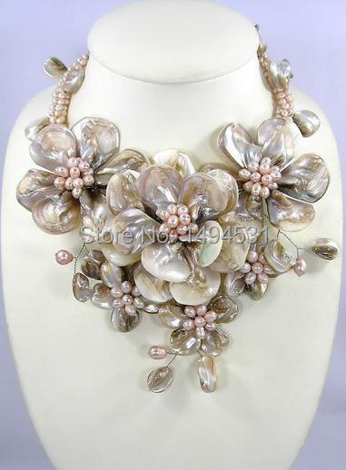 New Arriver Flower Jewelry Handmade Choker Necklace Beaded Jewelry Freshwater Pearl Shell Bib Statement Flower Necklace