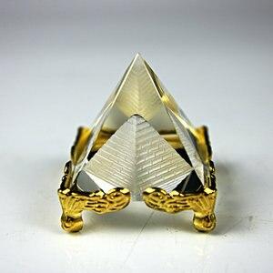 Exquisite 4 cm Pirâmide De Cristal Com Suporte De Ouro Pirâmide Egípcia Estatuetas De Vidro Artesanato de Presente Decoração de Casa