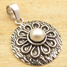 Estilo el Foco!!! blanco Perla Colgante de Estilo Étnico 3.7 CM Joyería Plateada de Plata