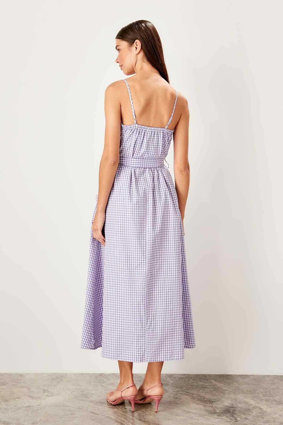 Trendyol Сиреневое платье с поясом TWOSS19OA0042