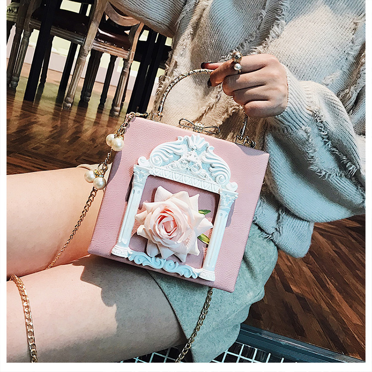 2018 NEW Rose 3D Palace Sculpture Frame Bag Luxury Handbags Women Party Bags Designer Lady Cute Shoulder Messenger Bag Sac Tote 31