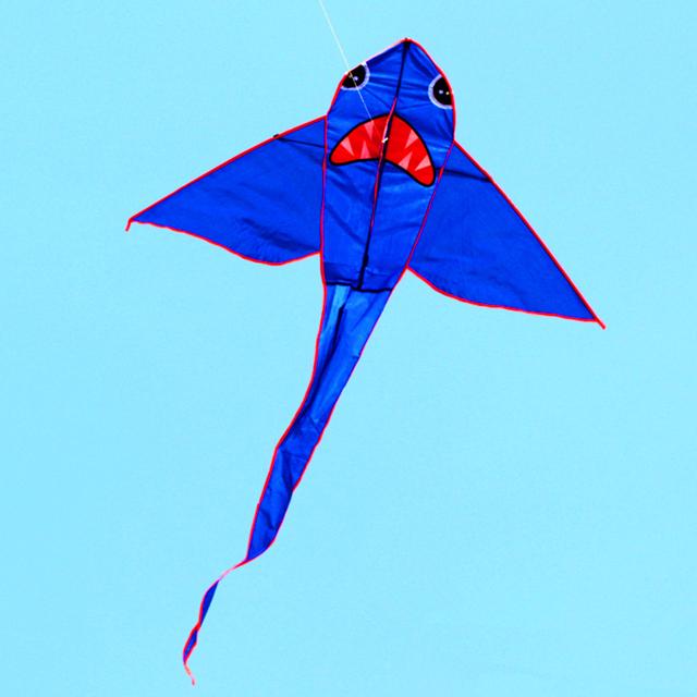 O envio gratuito de alta qualidade 10 pçs/lote tubarão pipa com linha punho buggy de nylon ripstop tecido pipa grande pipa voando ao ar livre jogar 3d