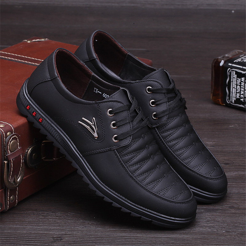 Party Fashion Shoes High Quality Men Casual New Leather Flat Shoes Men Oxford Fashion Lace Up Dress Shoes Work Shoe Sapatos