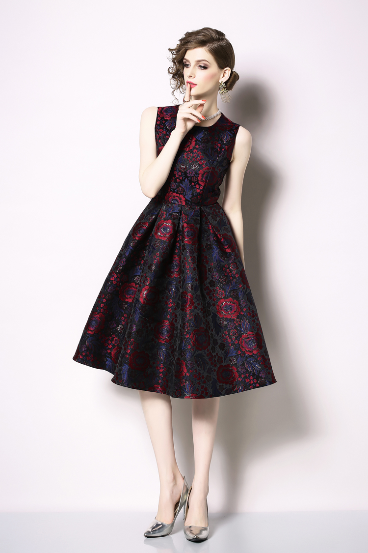 Elegant Sleeveless Printed Vintage Swing Dress 16