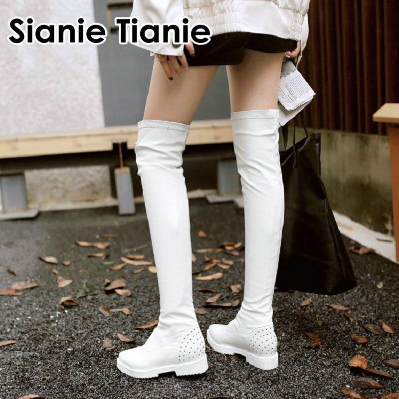 Sianie Tianie/2019 г., зимняя белая женская обувь с острым носком в стиле панк женские ботфорты выше колена из искусственной кожи с заклепками